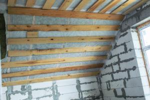 Dämmung einer Wand aus Kalksandstein verhindert einen Wärmeverlust