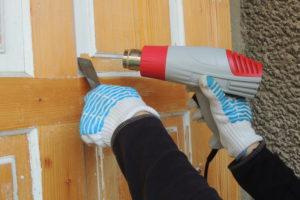 Wie Sie Acrylfarbe von Holz entfernen können