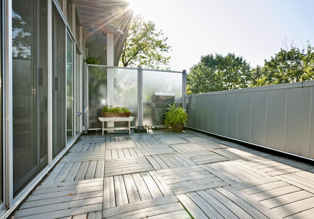 balkon-windschutz-plexiglas