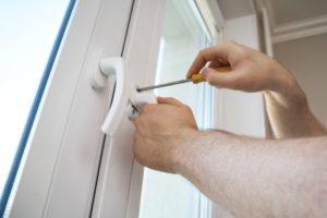 Fenstergriff austauschen – So wechseln Sie den Griff aus