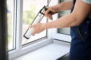 Was eignet sich besser: Fensterkitt oder Silikon?