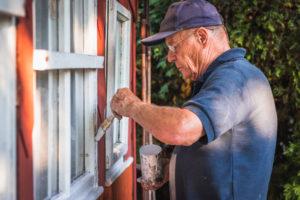 So streichen Sie Fensterkitt richtig