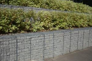 Stützmauer aus Gabionen – so stützen Sie einen Hang richtig ab