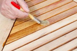 So ölen Sie Lärchenholz fachmännisch und bewahren seine schöne Struktur