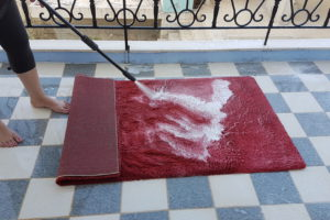 So waschen Sie Ihren Teppich selbst