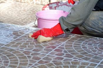 Fliesen Reinigen Nach Verfugen So Entfernen Sie Zementschleier
