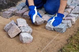So pflastern Sie Ihren Granit selbst