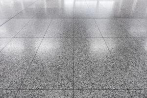 Granitplatten verfugen: Schritt für Schritt