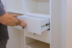 Die Schubladen einhängen – Tipps für das jeweilige System