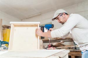 Schublade unter Tischplatte – Tipps für den Einbau