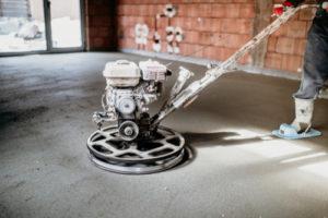 Zementestrich schleifen – Tipps und Tricks