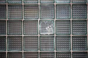 Einzelne Glasbausteine ersetzen – So gehen Sie vor