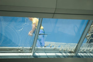 Glasdach reinigen: So geht es!