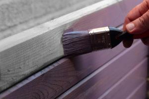 Holzpaneele streichen – So geht es!