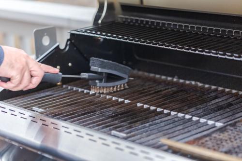edelstahl-grill-reinigen