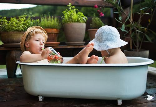 Emaille Badewanne Reinigen : emaille badewanne reinigen auf das richtige mittel kommt ~ Watch28wear.com Haus und Dekorationen