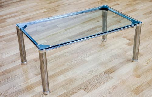 tischbeine-glasplatte-befestigen