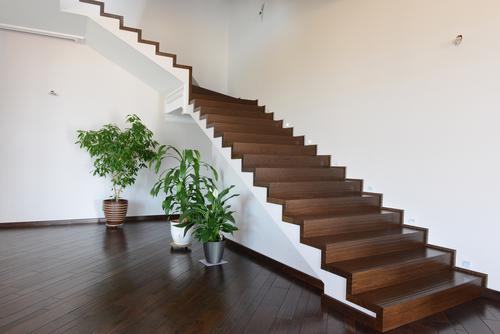 betontreppe-holzstufen