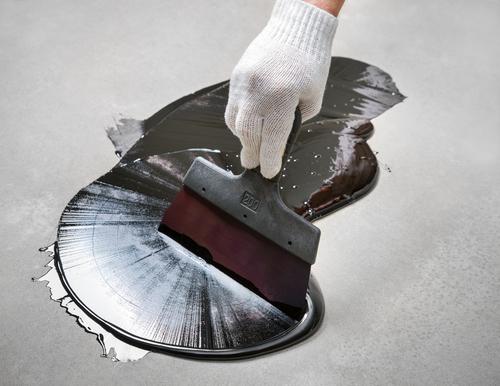bitumen-entfernen-von-beton