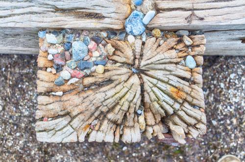 naturstein-auf-holz-kleben
