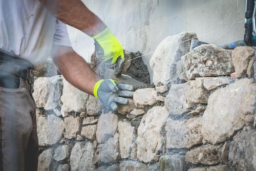 natursteinmauer-verfugen